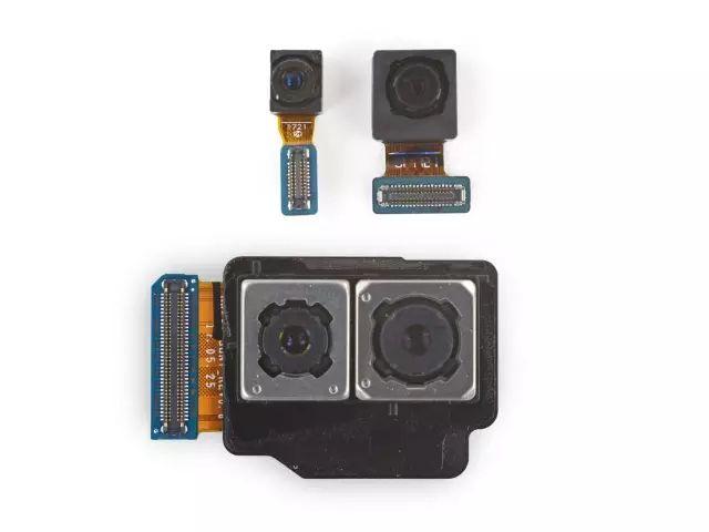 4つのカメラ