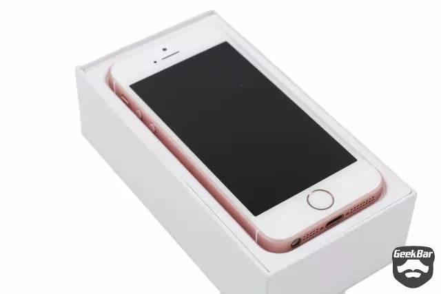iPhoneSE 開封の儀
