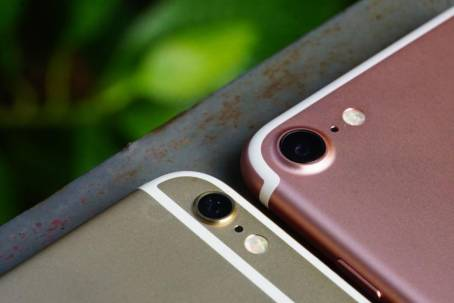 iPhone6SとiPhone7の外観比較