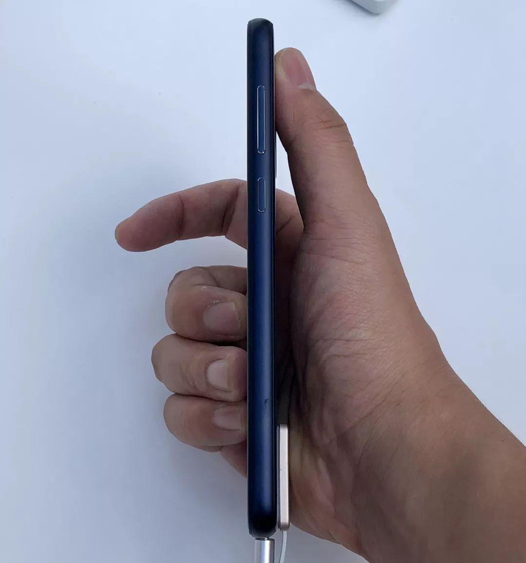 NokiaX側面
