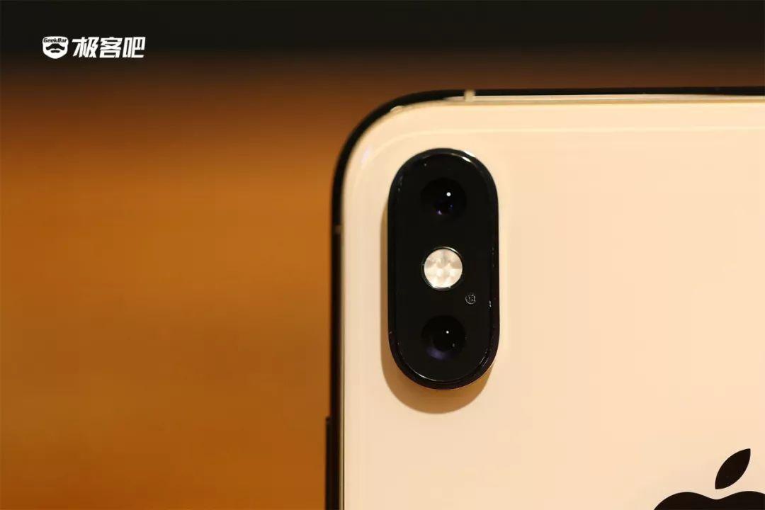 iPhone XS Maxデュアルカメラ搭載
