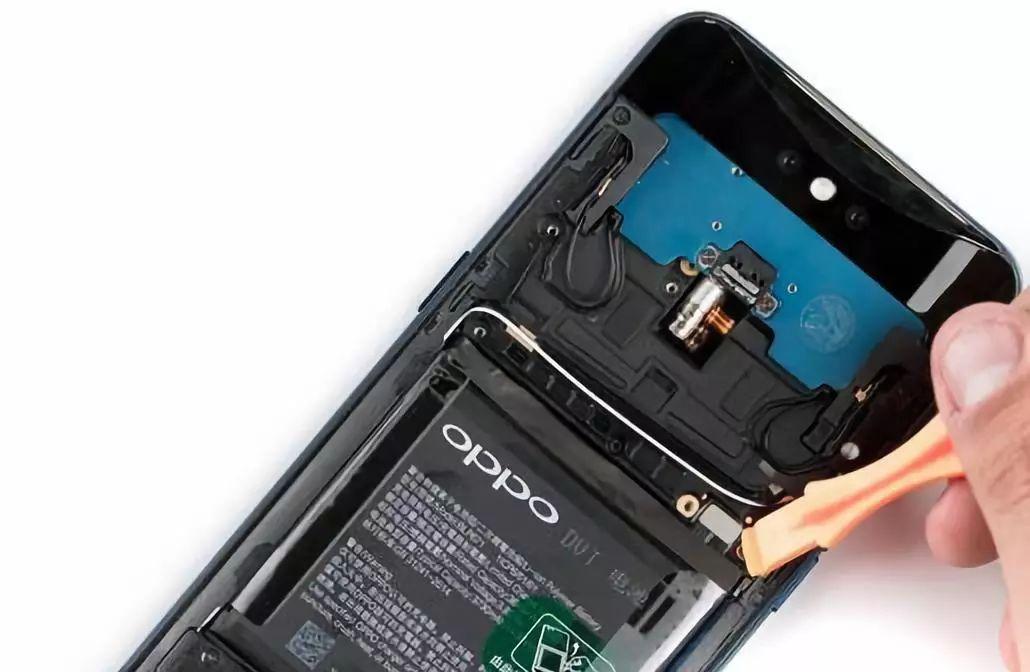 バッテリーの配線を切る