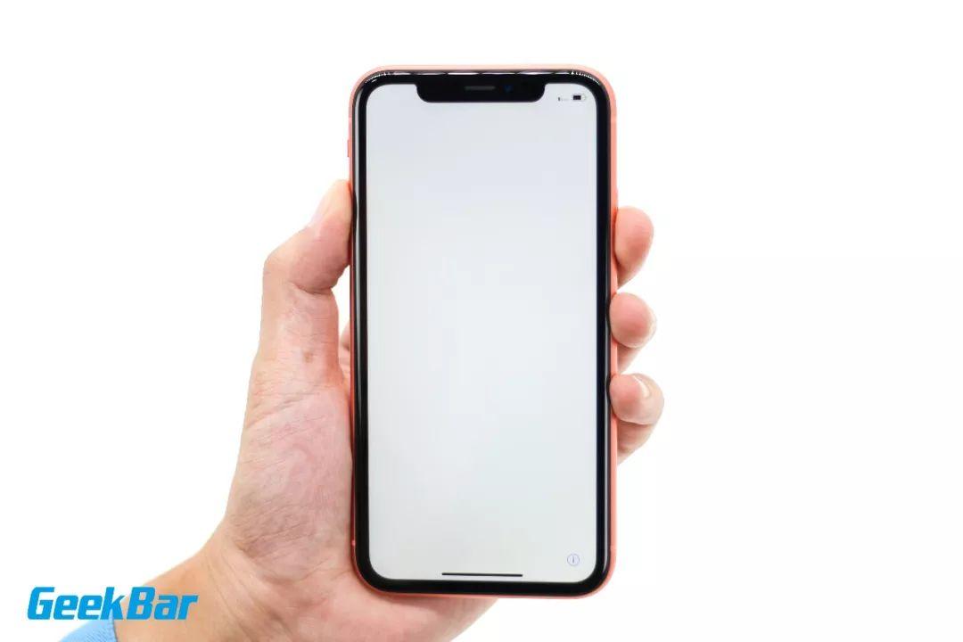 iPhoneXR ディスプレイ