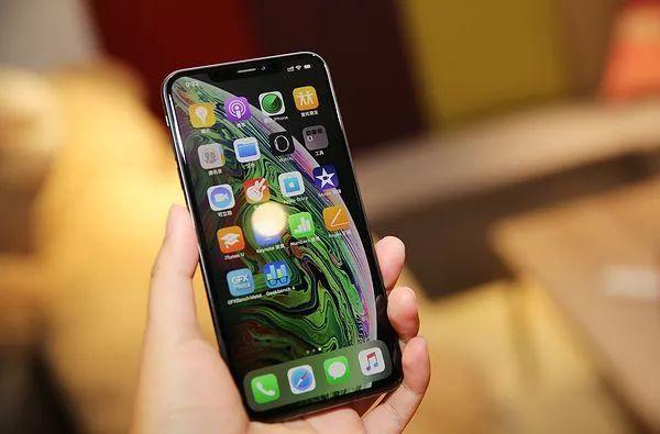 iPhoneXS MAXの外観レビュー・正面