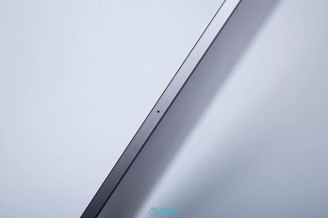 iPad Pro 11インチの厚さ