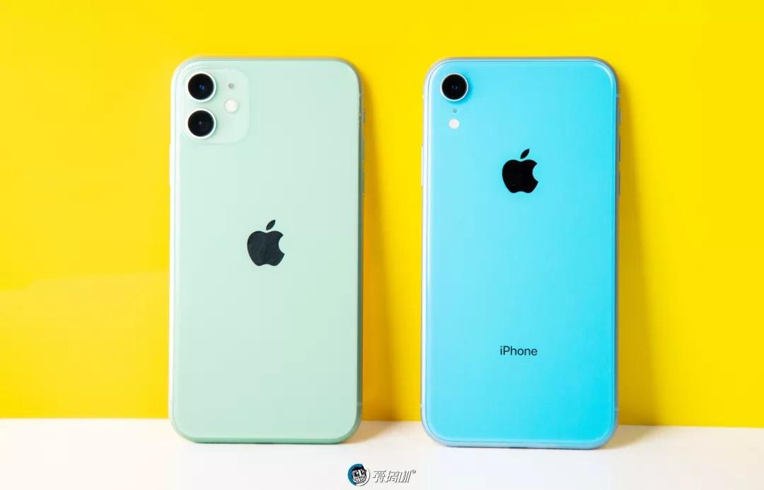 iPhone11の背面デザイン