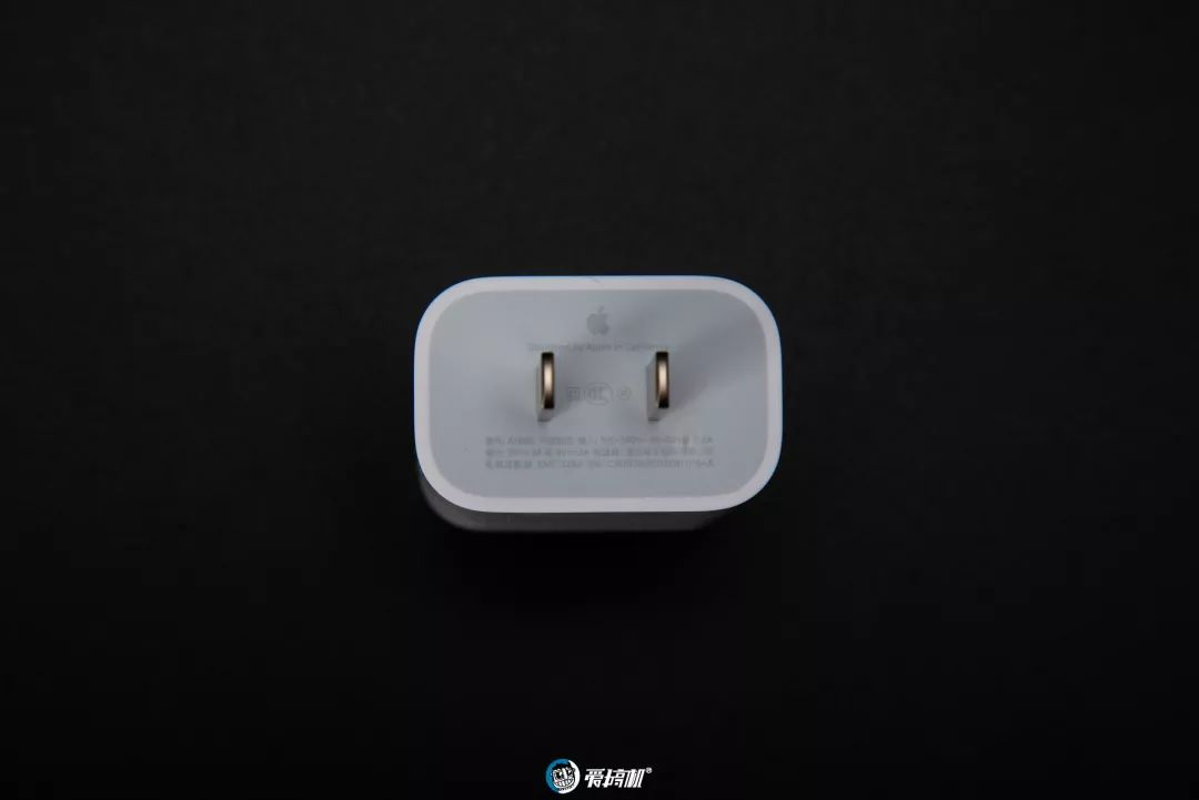 iPhone11 Pro Max 充電アダプター